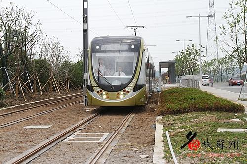 苏州首部有轨电车交通法7月实施 车辆享有优先通行权